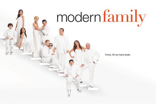 Modern Family wallpaper entitled season 3 cast