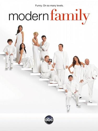 Modern Family wallpaper entitled season 3 hd poster