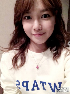 소녀시대(Girls' Generation) Sooyung at the set of drama '내 생애 봄날(My Spring Days)'.