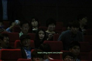 """140929 iu at after """"My Love, My Bride"""" VIP Premiere"""