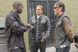 7x07 - Greensleeves - Tyler, Jax and Chibs