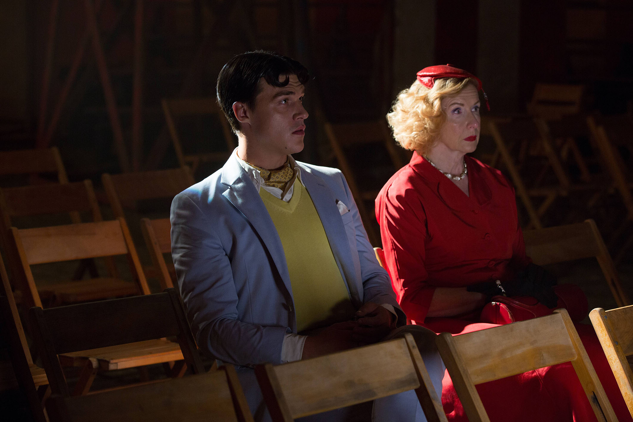 """AHS Freak دکھائیں """"Monsters Among Us"""" (4x01) promotional picture"""