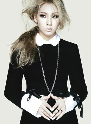 CL for 'Elle'