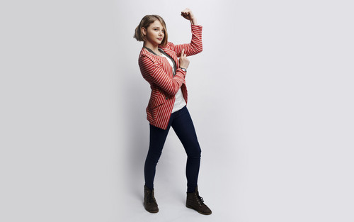 chloe moretz wallpaper containing tights and a legging titled Chloe Moretz wallpaper