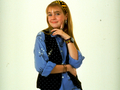 Clarissa Explains It All - old-school-nickelodeon wallpaper