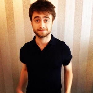 Daniel Radcliffe Appeared On 'MTV UK' And Replyed On Twitter (Fb.com/DanieljacobRadcliffeFanClub)