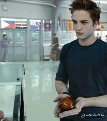 Edward Cullen red আপেল