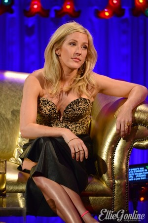 Ellie Goulding appears on the May 23rd episode of Alan Carr: Chatty Man