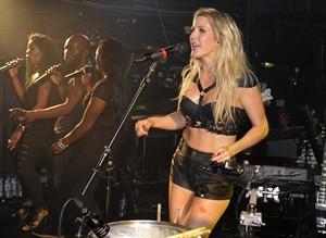 Ellie Goulding on stage