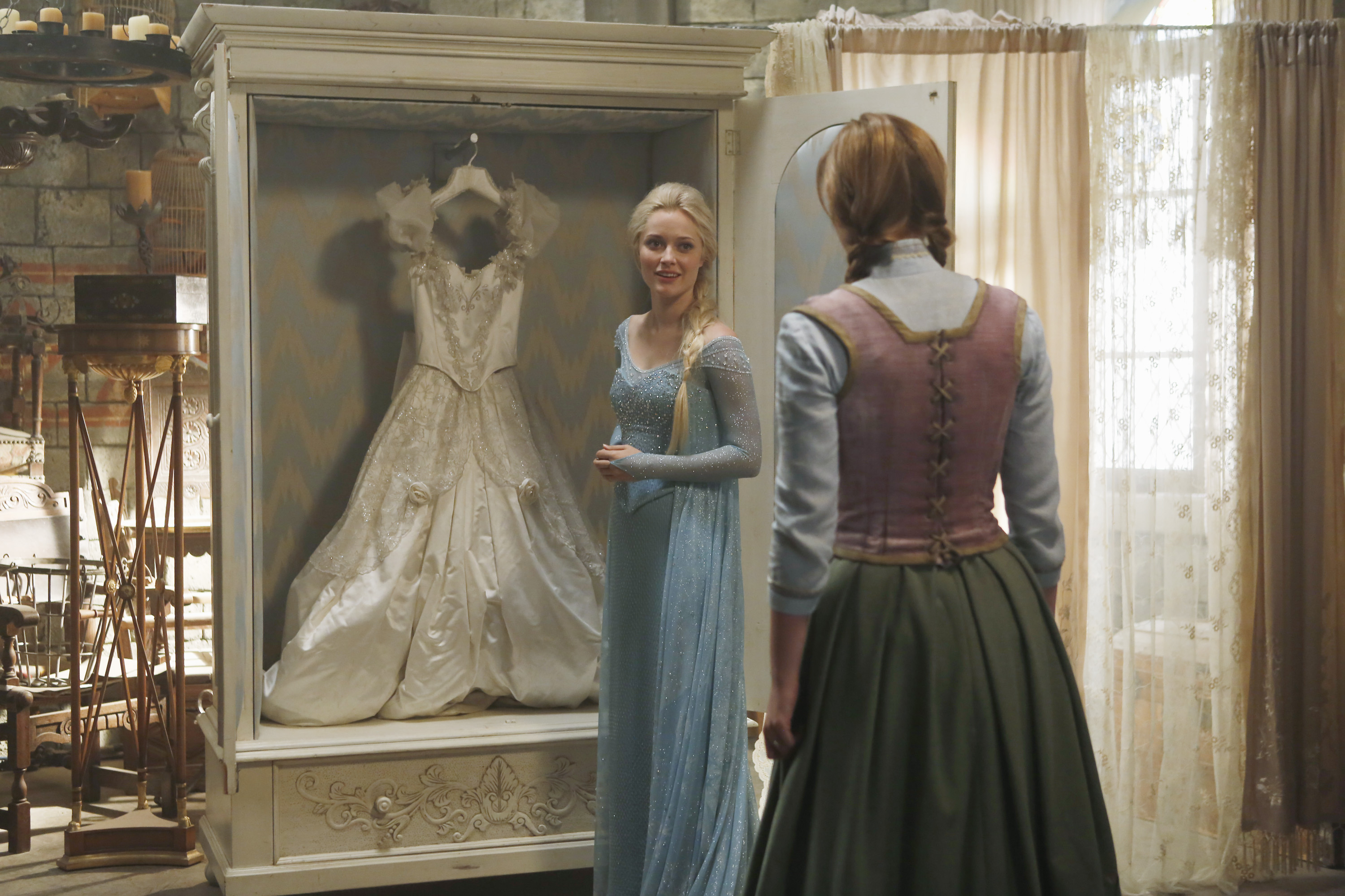 Once Upon A Time Frozen Elsa And Anna