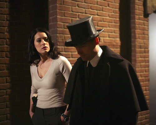Emily Prentiss 壁纸 possibly containing a fedora entitled Emily Prentiss