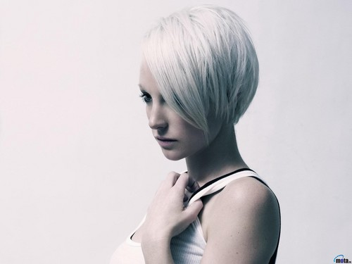 Physical Beauty wallpaper entitled Emma Hewitt