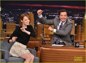 Emma Stone on The Tonight دکھائیں