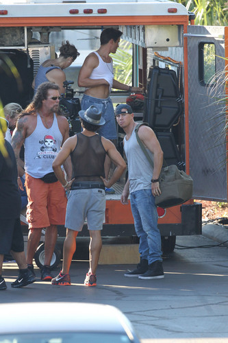 Matt Bomer wallpaper probably containing a tailgate, a carriageway, and a car carrier entitled Filming MAGIC MIKE XXL, 01.10.2014