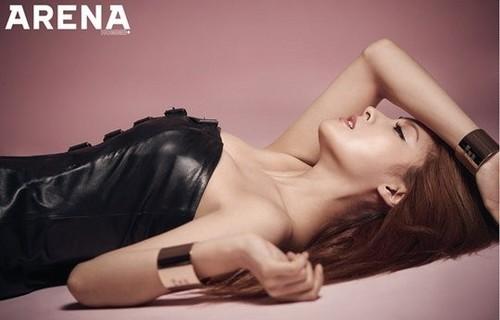 KARA 바탕화면 with skin entitled Gyuri for 'Arena Homme Plus'