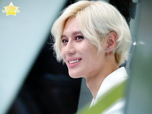 HANDSOME WHITE HAIR TAEMIN - ACE ERA