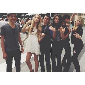 Hana with CJ, Brooke and other 프렌즈