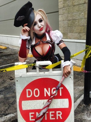 Harley Quinn Cosplay by Jessica Nigri
