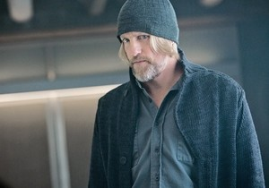 http://images6.fanpop.com/image/photos/37600000/Haymitch-Abernathy-the-hunger-games-37693474-300-210.jpg