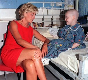 Hollie Robinson-Marsh who posed with Princess Diana has died