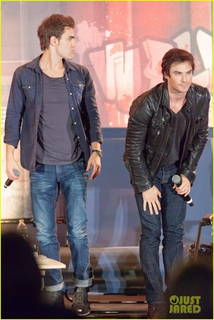 Ian Somerhalder and Paul Wesley Team Up for Walker Stalker Con