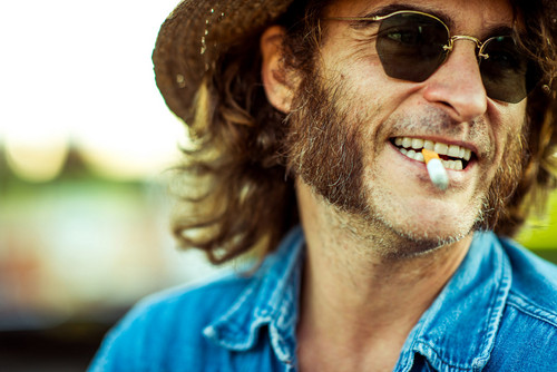 Joaquin Phoenix fond d'écran containing a boater and a fedora called Joaquin Phoenix in Inherent Vice
