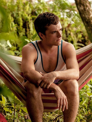 Josh Hutcherson in Escobar: Paradise lost
