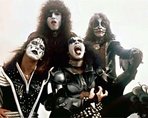 kiss June 1976
