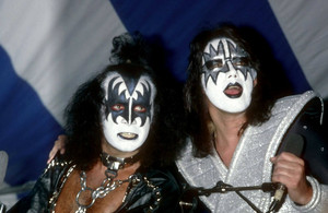 キッス ~KISS Meets the Phantom of the Park movie press 1978