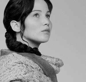 Katniss Everdeen | Catching آگ کے, آگ