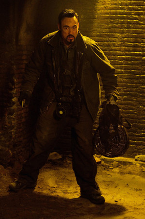 Kevin Durand as Vasiliy Fet in The Strain - 1x11 - The Third Rail