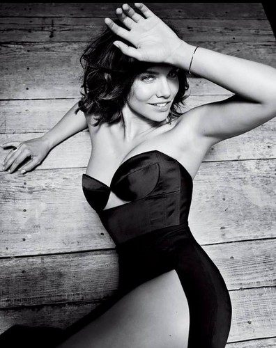 Lauren Cohan achtergrond possibly containing attractiveness and a lingerie titled Lauren Cohan GQ Photoshoot 2014