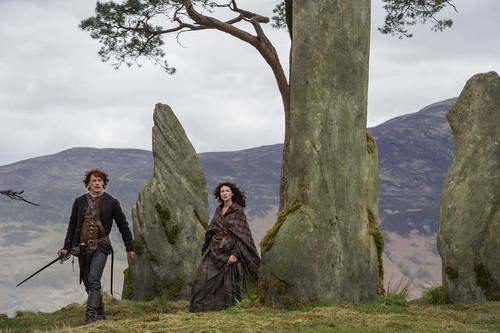 Outlander 2014 TV Series karatasi la kupamba ukuta called Outlander - Season 1