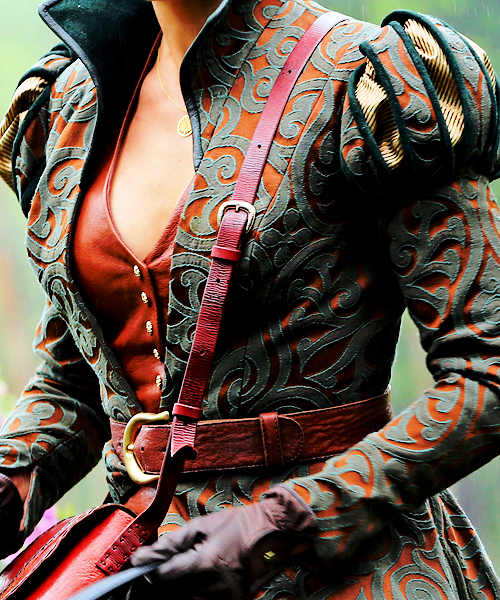 Regina's Outfit