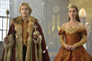 Reign 2x03 promotional picture