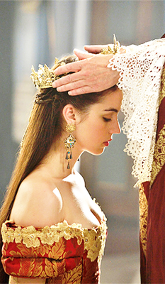 Reign [TV Show] wallpaper with a bouquet, a bridesmaid, and a mantiglia, mantilla entitled Reign 2x03 stills