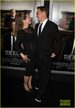 Robert Downey Jr. Holds Wife Susan's Baby Bump at 'The Judge' Premiereq