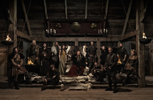 Vikings (TV Series) karatasi la kupamba ukuta possibly containing a mitaani, mtaa called Season 1 promotional picture