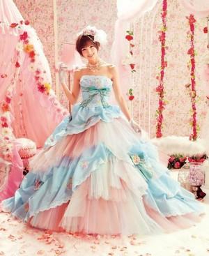 Shinoda Mariko in Любовь MARY Dresses