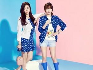 Taeyeon adn Tiffany for Mixxo