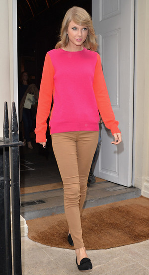 Taylor leaving Sketch restaurant in London (10/10/14)