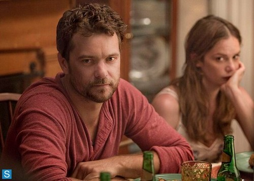The Affair (2014 TV Series) wolpeyper possibly containing a hapunan table, a brasserie, and a hapunan titled The Affair - Episode 1.01 - Pilot - Promotional mga litrato