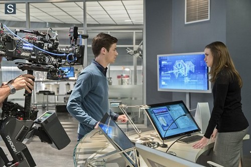 The Flash (CW) wallpaper probably with a business suit called The Flash - Episode 1.03 - Things You Can't Outrun - BTS Pic