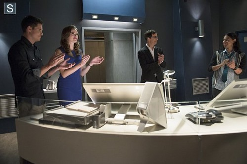 The Flash (CW) वॉलपेपर called The Flash - Episode 1.03 - Things आप Can't Outrun - Promo Pics