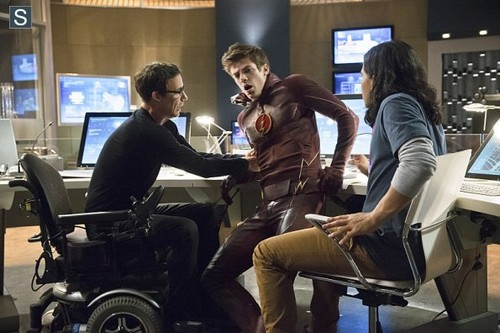 The Flash (CW) wallpaper probably containing a business suit called The Flash - Episode 1.03 - Things You Can't Outrun - Promo Pics