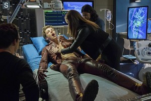 The Flash - Episode 1.03 - Things আপনি Can't Outrun - Promo Pics