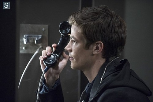 The Flash (CW) দেওয়ালপত্র entitled The Flash - Episode 1.03 - Things আপনি Can't Outrun - Promo Pics