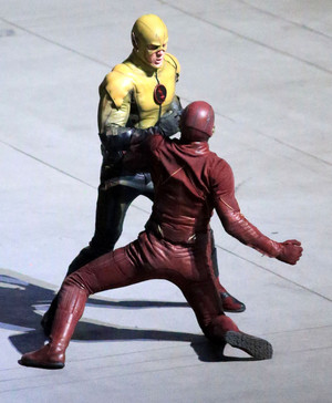 The Flash - First Look - Reverse-Flash/Prof. Zoom Costume - Set Photos