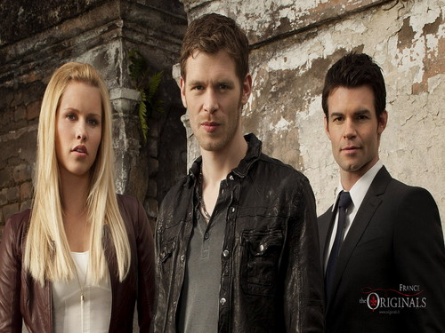 The Originals Hintergrund containing a business suit and a straße entitled The Originals