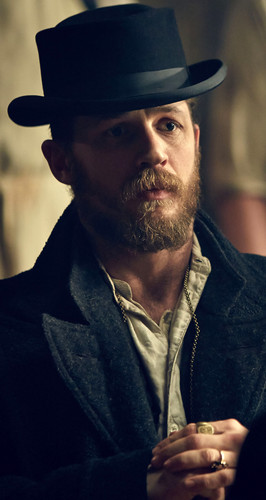 Tom Hardy wallpaper with a fedora entitled Tom Hardy Series 2 Peaky Blinders
